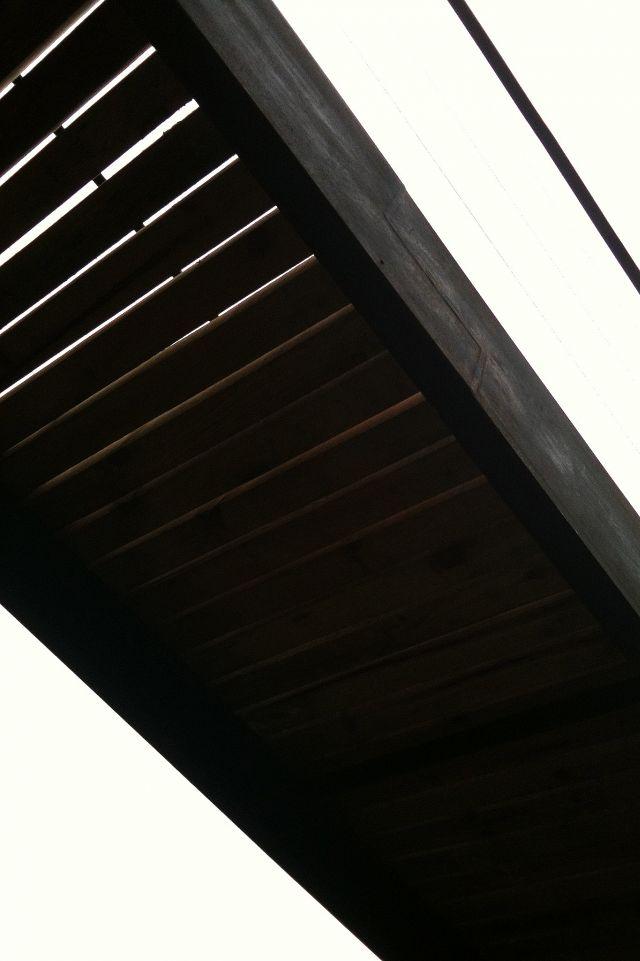 Raúl Peña Architects - Puente de madera